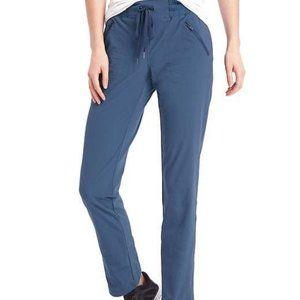 NWOT Gap Hiking Pants Rec Tech zip pockets xs